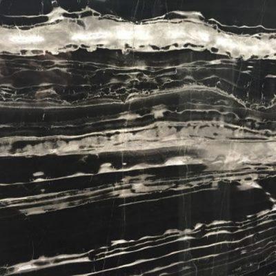 Piedra natural mármol aspecto elegante de color negro con vetas plateadas PORT NEGRO